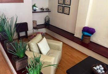 Casa en venta en Col. Del Valle Centro, 378 m² con patio