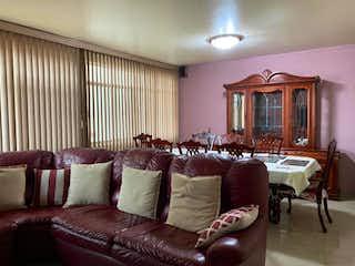Una sala de estar llena de muchos muebles en Departamento en venta en Santa María La Ribera, 67m²