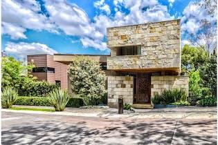 Casa en venta en Bosques de las Lomas con terraza  1,293 m²