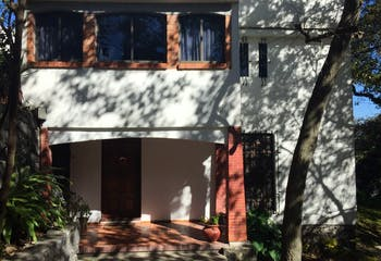 Casa en venta en Jardines del Ajusco, 329 m² con jardín