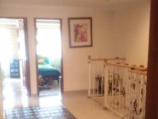 Una foto de una habitación muy bonita en Casa En Venta En Bogota Normandia 4 alcobas