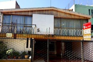 Casa en venta en Club de Golf México, 300 m² con jardín