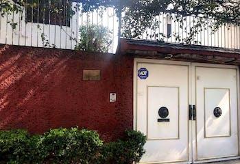 Casa en venta en Col. Del Valle Centro, 132 m² con jardín
