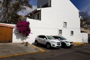 Casa en venta en San Jerónimo Lídice, 844 m² con jardín y patio
