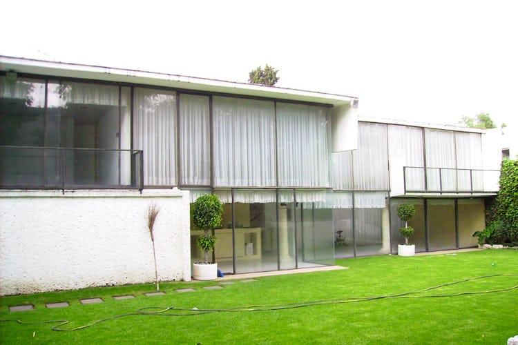 Portada Casa en Jardines del Pedregal, 650 m² con jardín