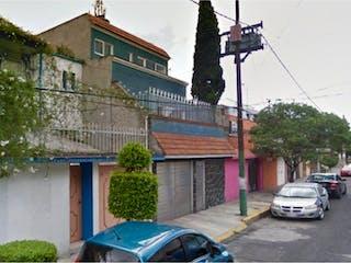 Casa en venta en Jardines de Churubusco, Ciudad de México