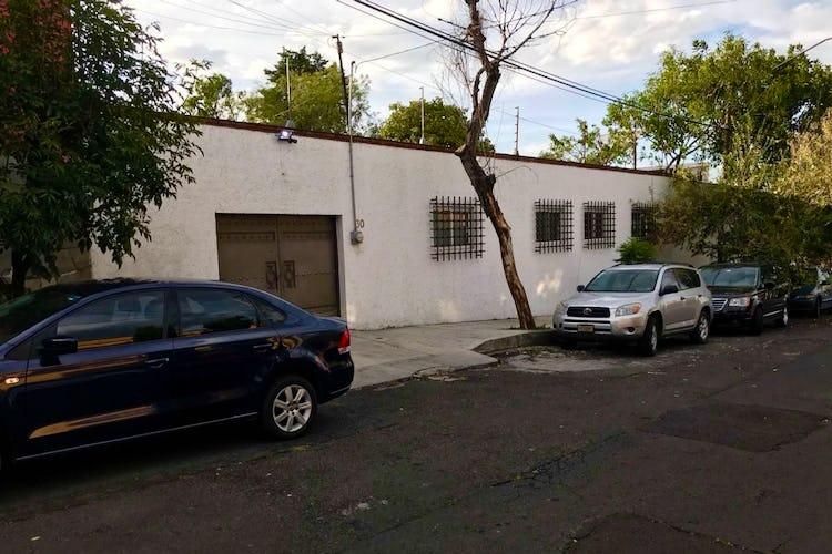 Portada Casa en Venta,  en Las Águilas con uso de suelo