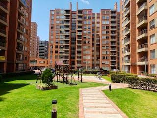 Un gran edificio en medio de una ciudad en Apartamento En Venta En Bogota Mazuren