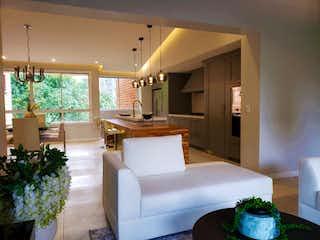 Una sala de estar llena de muebles y una gran ventana en Apartamento en venta en Alejandría, de 165mtrs2