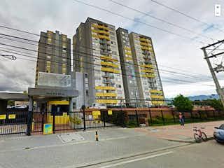 Una calle de la ciudad con semáforos y edificios en Apartamento en Venta VALLADOLID