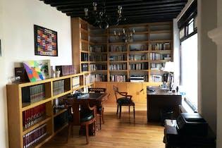 Casa en venta en Barrio del Niño Jesús, 557 m² con jardín