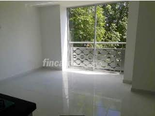 Un cuarto de baño con ducha y una ventana en Apartamento en venta en Santa Mónica, de 63mtrs2