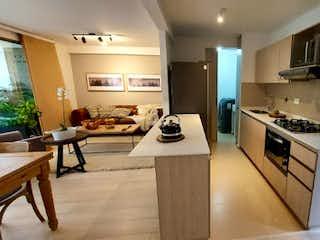 Una cocina con una estufa, un fregadero y una estufa en Apartamento en Venta VEREDA LOS ALTICOS SAN ANTONIO DE PEREIRA