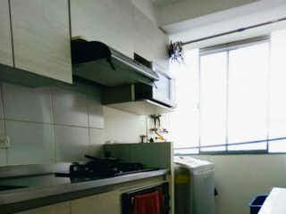 Una cocina con un fregadero y una estufa en Apartamento en venta en Mesa de 65m² con Jardín...