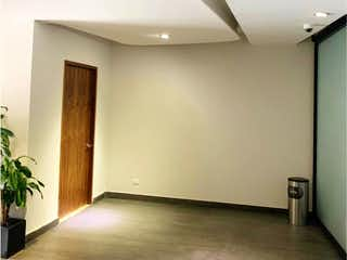 Un cuarto de baño con un lavabo y un inodoro en Departamento en Venta en Lomas de Chapultepec I Sección Miguel Hidalgo