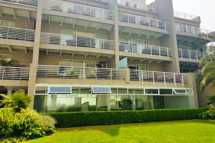 Portada Departamento en venta en Las Águilas, 300 m² con balcón