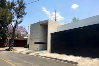 Casa en venta en Lomas de Chapultepec con balcon 1,250 m²