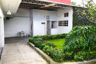 Casa en venta en Las Águilas, 724m2 con jardín