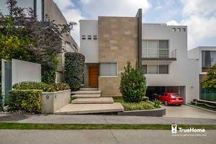 Casa en venta en Santa Fe Cuajimalpa, 661 m² con jardín y terraza