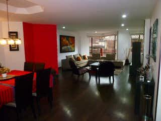 Una sala de estar llena de muebles y una mesa en Apartamento en venta en Zona Industrial de 3 habitaciones