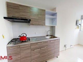 Una cocina con lavabo y microondas en Portal de La Estrella