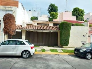 Casa en venta en Parques De La Herradura, Estado de México