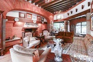 Casa en venta en Flor de Maria, 630 m² con jardín