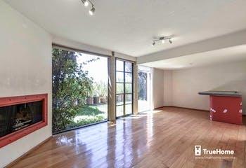 Casa en venta en Cuajimalpa, 235 m² con jardín