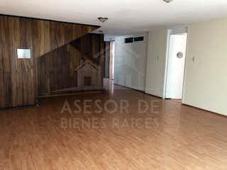 Una habitación que tiene un montón de graffiti en ella en Casa en venta en Ciudad Satelite, de 266mtrs2