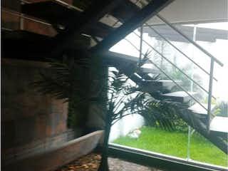 Una vista de una persona mirando por una ventana en Departamento en Venta en Tlanepantla de Baz Centro Tlalnepantla de Baz