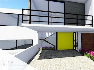 Una habitación muy bonita con una gran ventana en Casa en Venta en Residencial Altus Lago Esmeralda Atizapán de Zaragoza