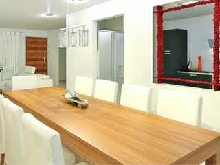 Una gran sala de estar con un gran ventanal en Casa en Venta en Fracc Villas Diamante Cuautitlán Izcalli