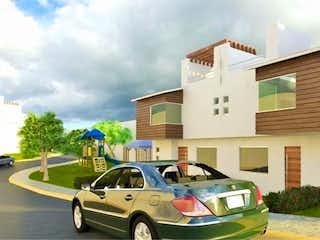 Un coche estacionado delante de una casa en Departamento en venta en Luis Echeverria de 160m² con Piscina...