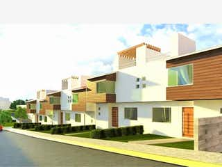 Una vista de una calle frente a una casa en Casa en venta en Granjas Lomas De Guadalupe de 4 alcobas