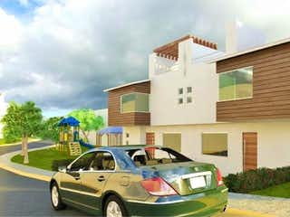 Un coche estacionado delante de una casa en Casa en Venta en San Sebastian Xhala Cuautitlán Izcalli