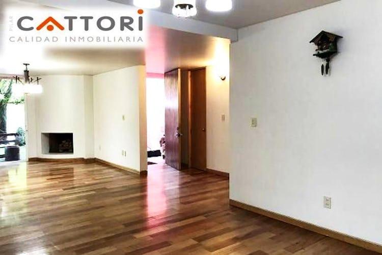 Portada Casa en venta en Flor de Maria remodelada  260 m²