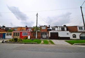 Casa En Venta En Bogota Alamos - con antejardín