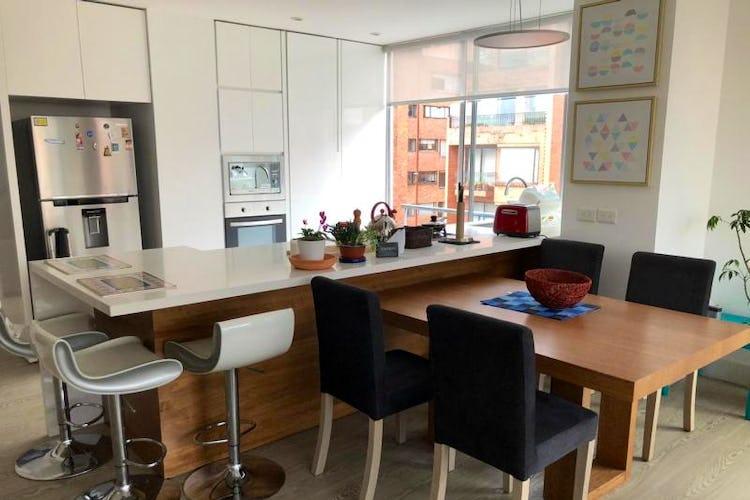 Apartamento En Venta En Bogota Rosales - con sala comedor con chimenea