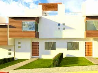 Una casa que tiene un gran ventanal en ella en Casa en Venta en Urbi Quinta Montecarlo Cuautitlán Izcalli