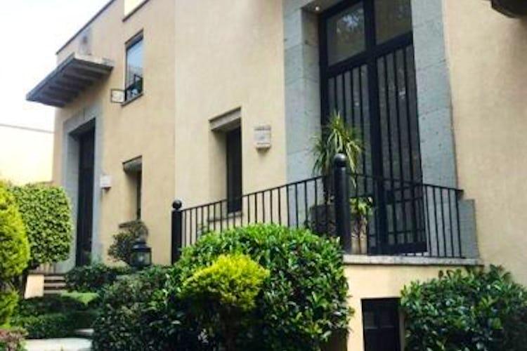 Portada Casa en venta en Jardines del Pedregal remodelada   1,200 m²