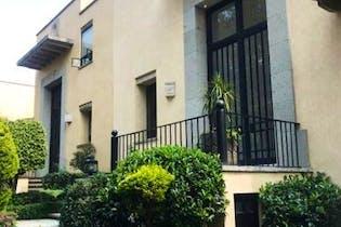 Casa en venta en Jardines del Pedregal remodelada   1,200 m²