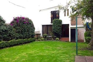 Casa en venta en Lomas de Guadalupe, 300 m² con jardín