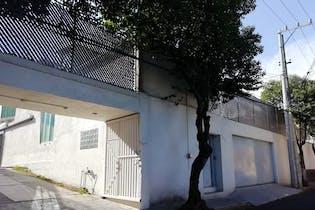 Casa en venta en Tlalpan 1,064m2 con jardín