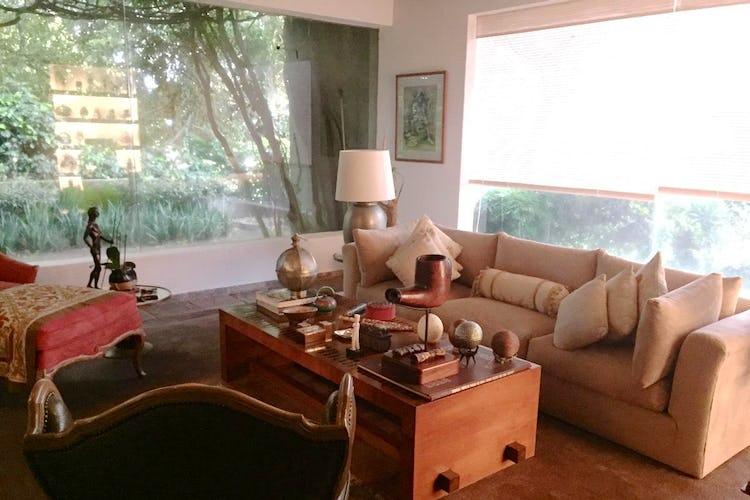 Portada Casa en venta en Bosque de las Lomas, 1,000 m² con jardín