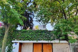 Casa en Parque San Andrés, 411 m² con jardín