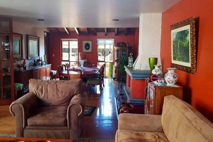 Portada Casa en venta en Romero de Terreros, 502 m² con jardín