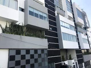 Un edificio alto sentado al lado de un edificio alto en Departamento en Venta en Lomas de Atizapan Atizapán de Zaragoza