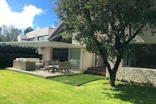 Casa en venta en Bosques de las Lomas, 750 m² con jardín
