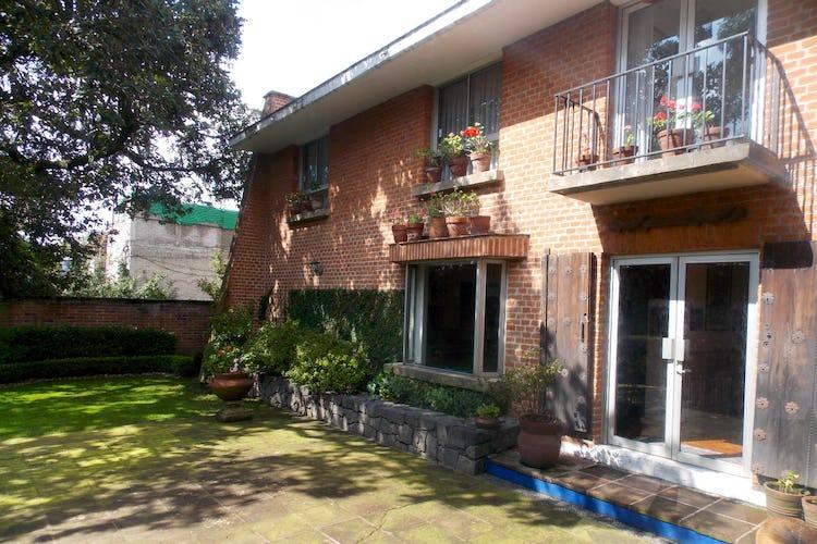 Portada Casa en venta en San Jerónimo Lídice, 350 m² con jardín