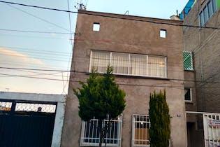Casa en venta en Héroes 230m2 de 3 niveles